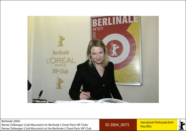 Renée Zellweger   Competition |  Cold Mountain   Renee Zellwege at the Berlinale L'Oreal Paris VIP Club.  ID 2004_0075