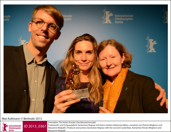 Florian Weghorn, Genevieve Hegneyk, Maryanne Redpath    Generation | Award Ceremony  Kplus   The Amber Amulet (Das Bernsteinamulett): producer and actress Genevieve Hegney with her second Crystal Bear, framed by Florian Weghorn and Maryanne Redpath.  ID 2013_0361