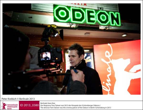 Tom Tykwer    Special Presentations & Events | Berlinale goes Kiez  The director Tom Tykwer was the cinema patron of the Odeon in Berlin-Schöneberg in 2013.  ID 2013_0380