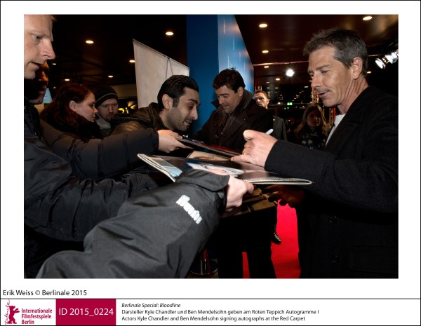 Kyle Chandler, Ben Mendelsohn   Berlinale Special |  Bloodline   Actors Kyle Chandler and Ben Mendelsohn signing autographs at the Red Carpet.  ID 2015_0224
