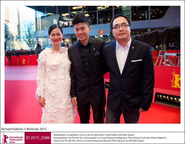 Do Thi Hai Yen, Le Cong Hoang, Phan Dang Di   Competition |  Cha và con và | Big Father, Small Father and Other Stories   Actress Do Thi Hai Yen, Actor Le Cong Hoang and director Phan Dang Di on the Red Carpet.  ID 2015_0386