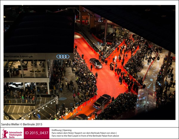 Fans   Galas, Receptions & Impressions | Opening  Fans next to the Red Carpet in front of the Berlinale Palast from above.  ID 2015_0437