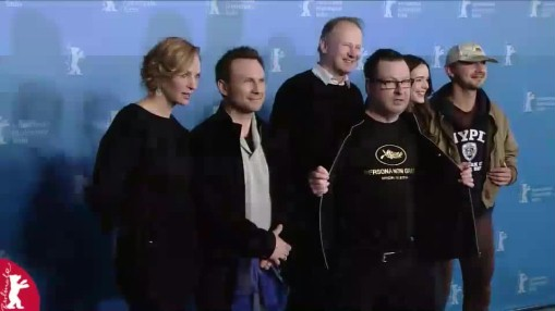 Press Conference    Sunday Feb 09, 2014    Lars von Trier (Director, Screenwriter) - only at the Photo Call   Producer: Louise Vesth / Cast: Christian Slater, Shia LaBeouf, Stacy Martin, Stellan Skarsgård, Uma Thurman / Moderation: Anatol Weber   Press Conference at full length