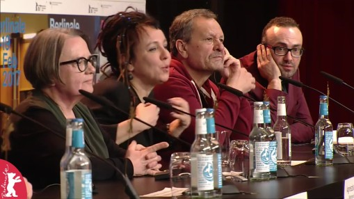 Press Conference    Sunday Feb 12, 2017    Krzysztof Zanussi (Producer), Borys Szyc, Jakub Gierszał, Patricia Volny, Wiktor Zborowski, Agnieszka Mandat (Cast), Agnieszka Holland (Director, Screenwriter), Olga Tokarczuk (Author), Miroslav Krobot (Actor), Moderation: Nikolaj Nikitin   Press Conference at full length