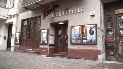 Berlinale 2018    Monday Feb 19, 2018     Berlinale Goes Kiez  will bring the festival to local arthouse cinemas – on February 19 to Tilsiter Lichtspiele in Friedrichshain. In a short video portrait, cinema manager Stefan Käding invites viewers to come and get to know his venue.