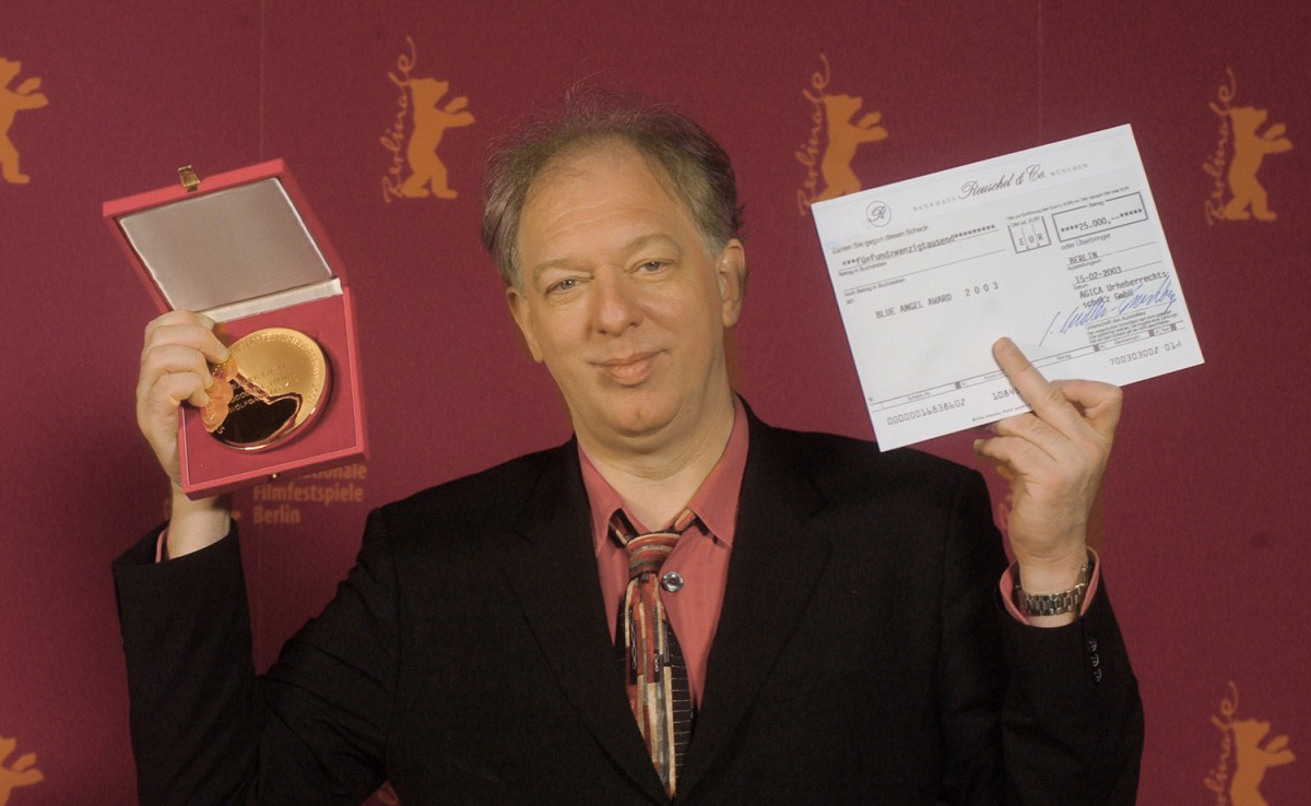Wolfgang Becker    Good Bye, Lenin!  director Wolfgang Becker receives the AGICOA's award Blue Angel for the best European film, endowed with EUR 25,000     Competition  –   Good Bye, Lenin!   – Prizes of the Independent Juries    Feb 15, 2003