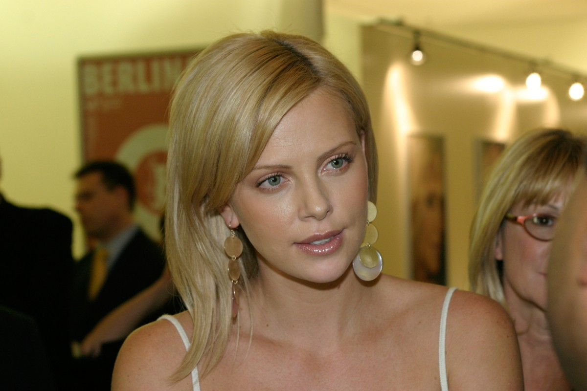 Charlize Theron   Hauptdarstellerin Charlize Theron im Berlinale L'Oreal Paris VIP Club     Wettbewerb  –   Monster      8. Februar 2004