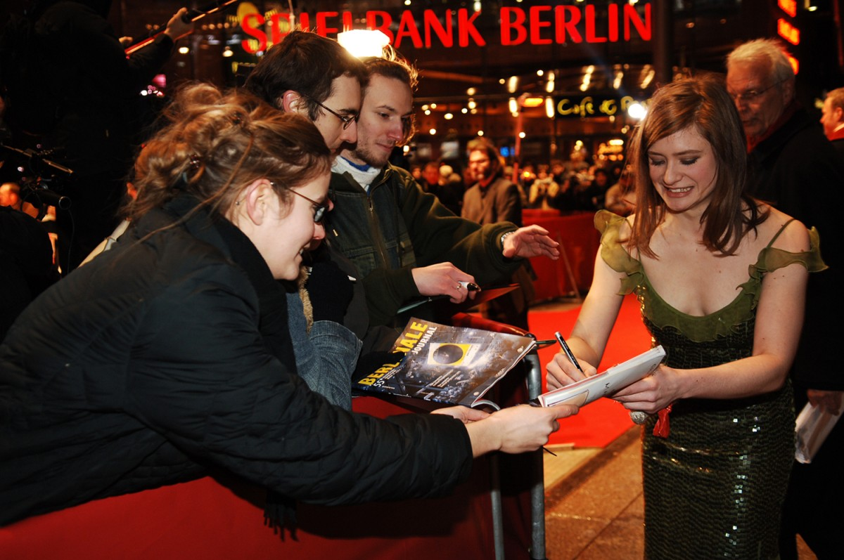 Shooting Stars   German Shooting Star Julia Jentsch with fans along the Red Carpet.    European Shooting Stars    Feb 13, 2005