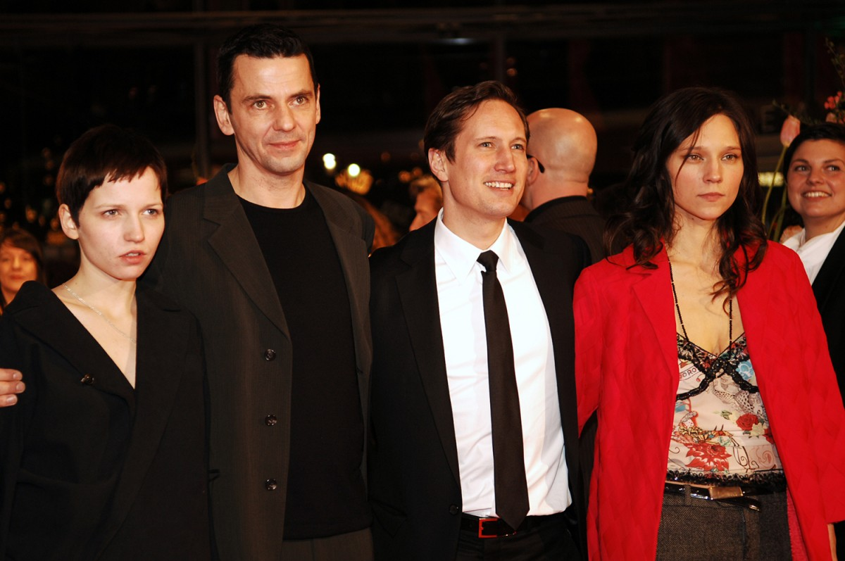 Gespenster   Premiere of  Gespenster : actress Julia Hummer, director Christian Petzold, actor Benno Fürmann, and actress Sabine Timoteo.     Competition  –   Gespenster  | Ghosts  – Berlinale Palast    Feb 15, 2005