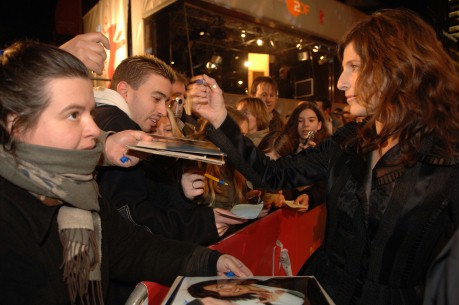 Feb 17, 2006Catherine Keener  Catherine Keener with fans before the premiere of Capote. Competition – Capote – Programme Press Conference