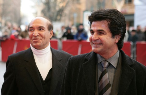 Feb 17, 2006Nezadomin Kiaie, Jafar Panahi  Director Jafar Panahi (r.) and sound designer Nezadomin Kiaie in front of the Berlinale Palast.  Competition – Offside – Berlinale Palast