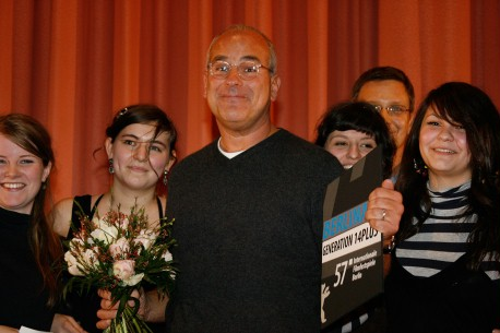 Feb 16, 200714plus Special Mention  Jon Kamen of Radicalmedia (center) receiving the Youth Jury's Special Mention for the film The Fall on behalf of director Tarsem Singh. In the background, Generation head Thomas Hailer and members of the Youth Jury.  Generation – The Fall – Youth jury – Special Mention
