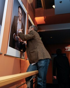 Feb 13, 2009Dani Levy  Director Dani Levy climbing the handrail in the Berlinale Palast for his signature on the portrait. Competition – Deutschland 09, 13 kurze Filme zur Lage der Nation | Germany 09, 13 Short Films About The State Of The Nation – Berlinale Palast