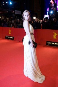 Feb 19, 2011Diane Kruger  A vision in white - the actress on the Red Carpet. Competition – Unknown | Unknown Identity – Closing Gala