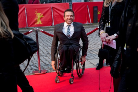 Feb 15, 2013Kurt Fearnley  The Australian was born missing the lower part of his backbone and since youth has been dubbed the marathon man of wheelchair sports. Berlinale Special – Gold - Du kannst mehr als Du denkst | Gold - You Can Do More than You Think