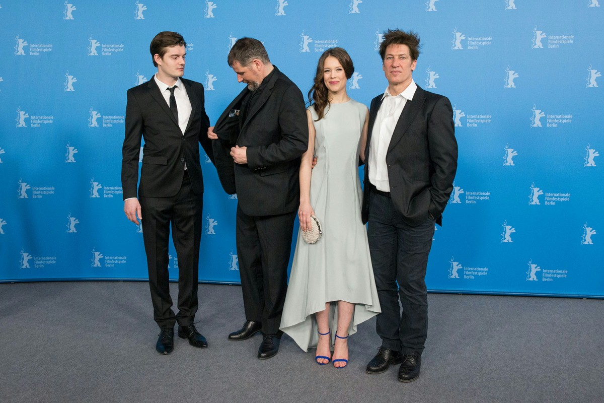Sam Riley, Andreas Prochaska, Paula Beer, Tobias Moretti   The director (second from the left) with his actors.     Berlinale Special  –   Das finstere Tal  | The Dark Valley     Feb 10, 2014