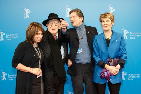 Feb 11, 2014Sally Angel, Branko Lustig, André Singer, Lynette Singer  The producer of the film, the Croatian film producer and surviver of the Holocaust together with the director and the scriptwriter.  Berlinale Special – Night Will Fall