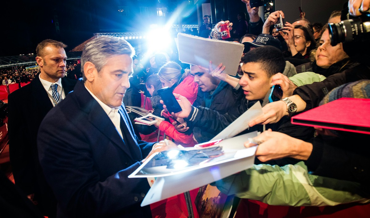 George Clooney   The director and actor on the Red Carpet.     Competition  –   The Monuments Men  | Monuments Men – Ungewöhnliche Helden     Feb 8, 2014