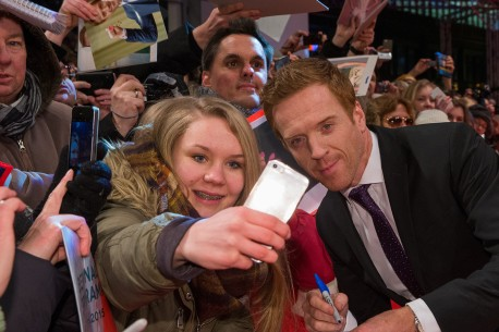 Feb 6, 2015Damian Lewis  The actor with fans at the Red Carpet. Competition – Queen of the Desert