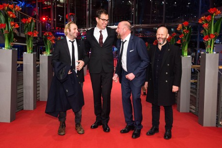 Feb 17, 2016Vincent Macaigne, Dominik Moll, François Damiens, Gilles Marchand  The director with his two actors and the script writer at the Berlinale Palast.  Competition – Des nouvelles de la planète Mars | News from planet Mars