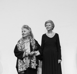Feb 11, 2017Hanna Schygulla, Irm Hermann  Prominent guests: two of the greatest German actresses in the Volksbühne. Berlinale Special – Acht Stunden sind kein Tag | Eight Hours Don't Make a Day