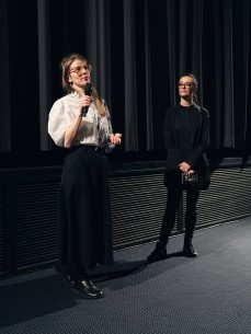Feb 20, 2018Bojina Panayotova, Páz Lazaro  The director and the section head during Q&A. Panorama – Je vois rouge | I See Red People