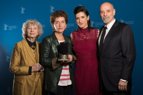 24.2.2018Ulrike Ottinger, Ruth Beckermann, Cíntia Gil, Eric Schlosser  Die Preisträgerin und die Jury beim Photo-Call. Forum – Waldheims Walzer | The Waldheim Waltz – Glashütte Original Dokumentarfilmpreis