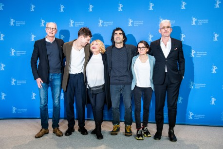 Feb 9, 2019The film team   From left to right: producer Herman Weigel; actor Jonas Dassler; actress Margarethe Tiesel; director, screenwriter and producer Fatih Akin; producer Nurhan Sekerci-Porst and author Heinz Strunk. Competition – Der Goldene Handschuh | The Golden Glove