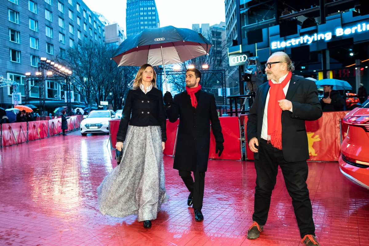 Elma Tataragic, Gorjan Tozija   The screenwriter is shining on the Red Carpet.     Competition  –   Gospod postoi, imeto i' e Petrunija  | God Exists, Her Name Is Petrunya     Feb 10, 2019
