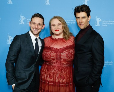 Feb 11, 2019Jamie Bell, Danielle Macdonald, Guy Nattiv  The two protagonists and the director at the Photo Call.  Panorama – Skin