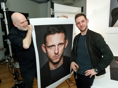 Feb 11, 2019Gerhard Kassner, Jamie Bell  The photographer with the actor.  Panorama – Skin