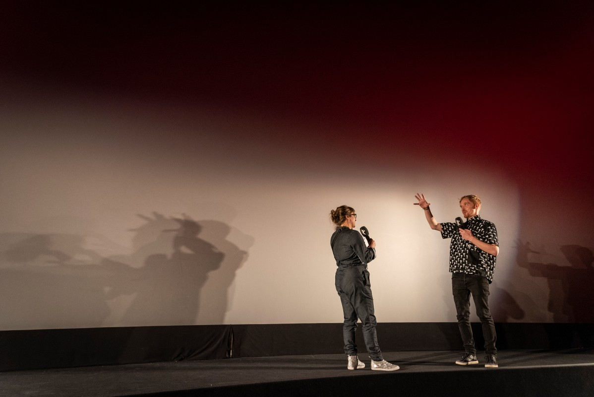 Maike Mia Höhne, Benjamin de Burca   Explaining away: the section head during the Q&A with one of the short film's two directors.     Berlinale Shorts  –   Rise      Feb 11, 2019