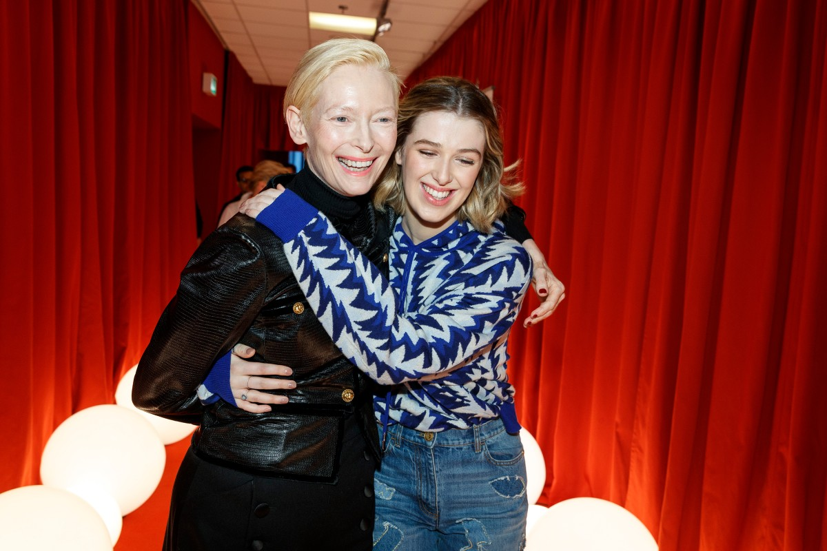 Tilda Swinton, Honor Swinton Byrne   The actresses on their way into the Berlinale VIP Club.     Panorama  –   The Souvenir      Feb 12, 2019