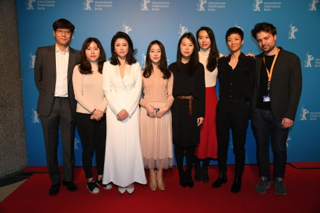 Feb 12, 2019Film team   The team with the director (third from the right). Generation – Beol-sae | House of Hummingbird