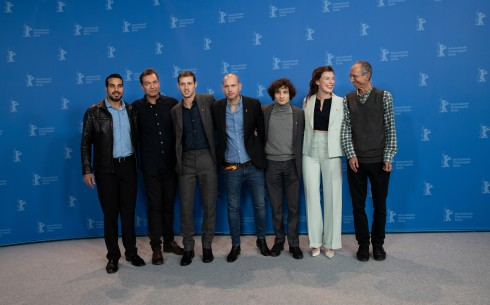 Feb 13, 2019Film team   The actor Uria Hayik, the cinematographer Shaï Goldman, the actor Tom Mercier, the director Nadav Lapid, the actor Quentin Dolmaire, the actress Louise Chevillotte and the screenwriter Haïm Lapid.  Competition – Synonymes | Synonyms | Synonyme