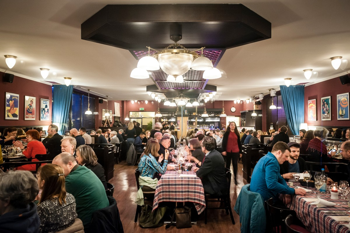 "Culinary Cinema Goes Kiez   After the screening Claude Trendel served a meal at ""Gourmanderie"" restaurant in the Centre Français de Berlin.     Berlinale Goes Kiez  –   The Biggest Little Farm      Feb 15, 2019"