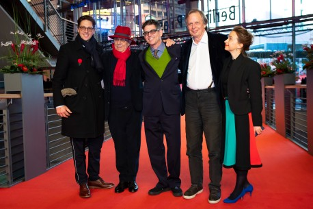 Feb 15, 2019Dieter Kosslick, Alan Elliott, Joe Boyd, Andrea Goertler  The Festival Director (in the red hat) with the director, the producer and his wife. Competition – Amazing Grace