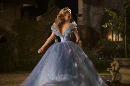 Cinderella   Competition  USA/GBR 2014  by: Kenneth Branagh Lily James Jonathan Olley © Disney Enterprises