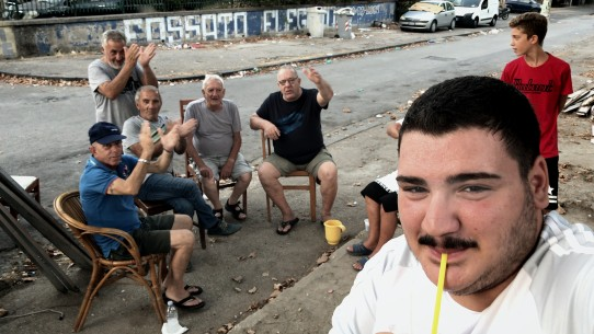 Selfie   Panorama  FRA/ITA 2019  by: Agostino Ferrente